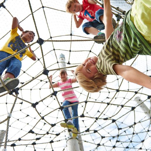 Entdeckerland_Bild_Kletterberg mit Kinder